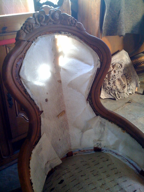Curvy chair - before