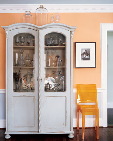 Coral & Gray Interior - Martha Stewart