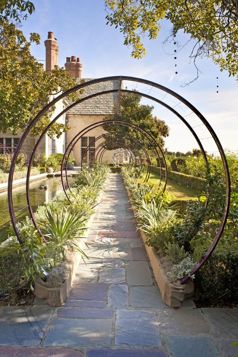 Farmhouseurban garden for Garden arches designs