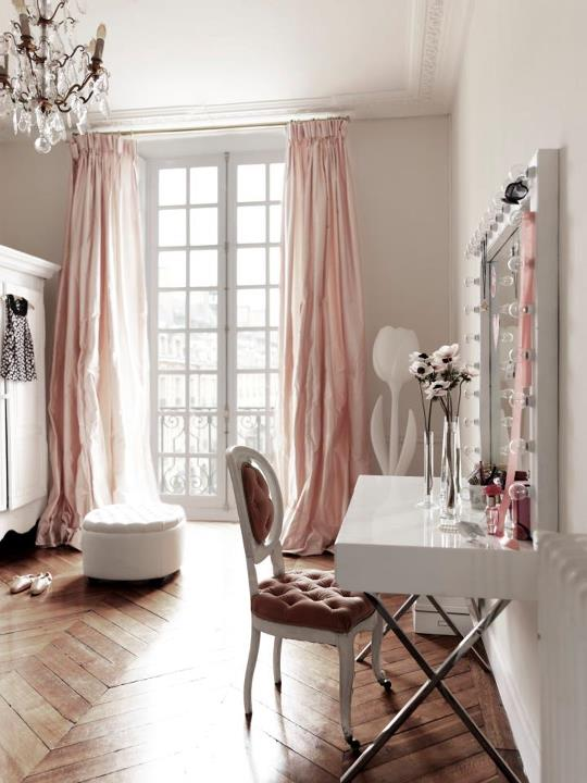 Pink bedroom in paris