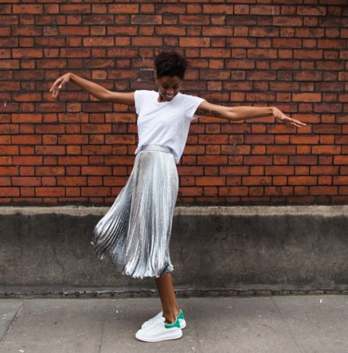 Silver_pleated_skirt